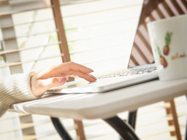 パートを辞めたい!お金ないなら自宅で稼げる簡単お仕事に切り替え|チャットレディで副業!始め方と安全に稼げるおすすめサイト